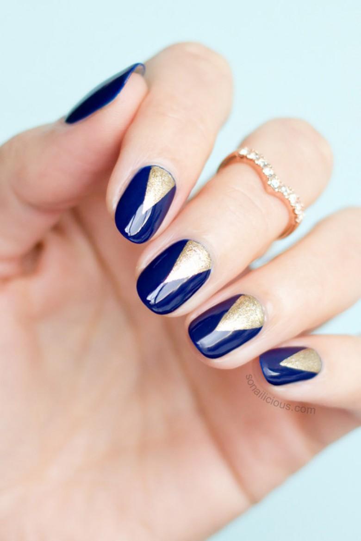 30 idées de nail art bleu nuit - Les Éclaireuses