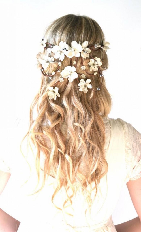 Top 50 des coiffures adopter un mariage pour tre l 39 invit e la plus styl e les claireuses - Coiffure pour aller a un mariage ...