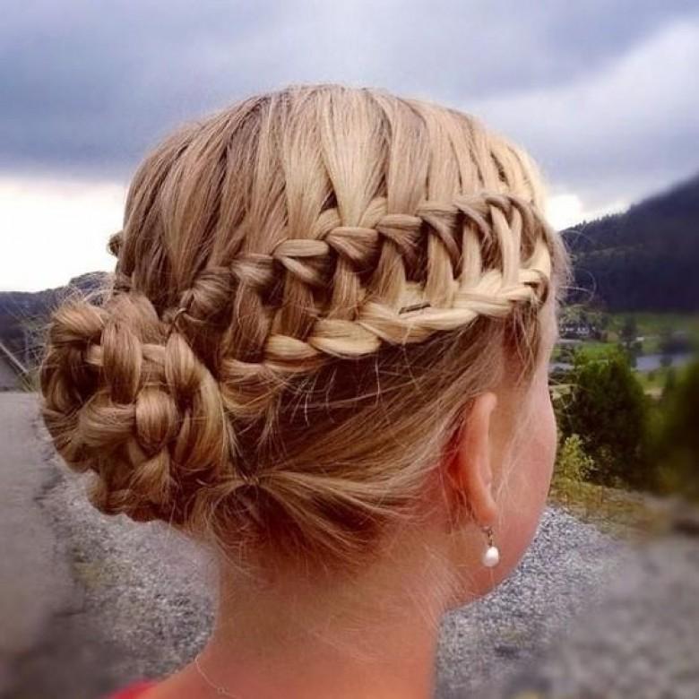 Top 50 des coiffures adopter un mariage pour tre l 39 invit e la plus styl e les claireuses - Coiffure ado fille mi long ...