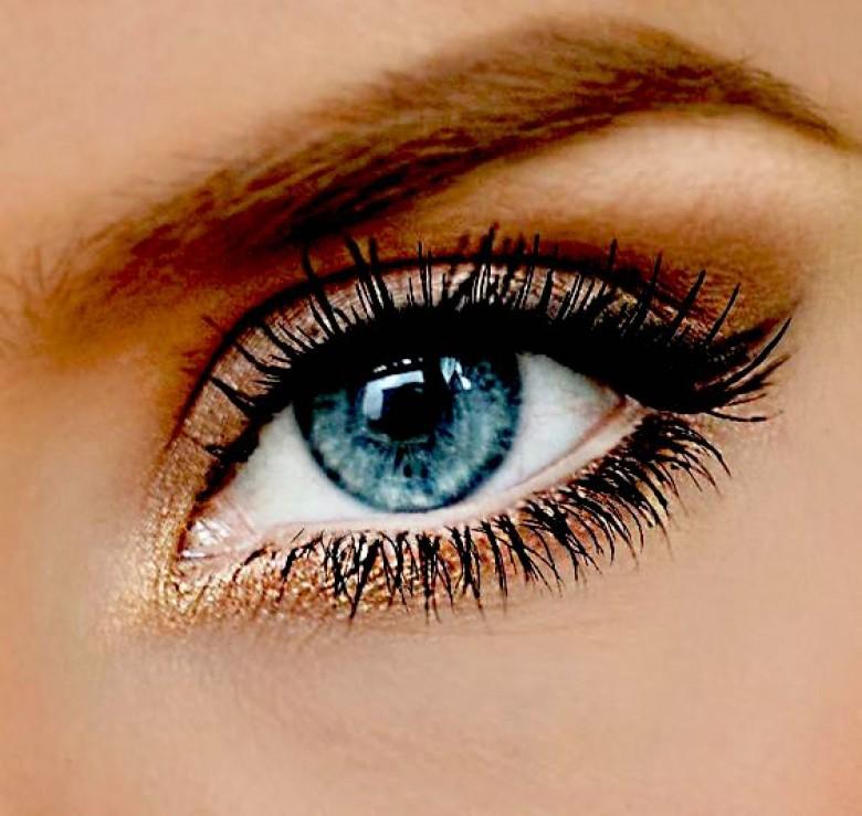 35 id es de make up pour les yeux bleus. Black Bedroom Furniture Sets. Home Design Ideas