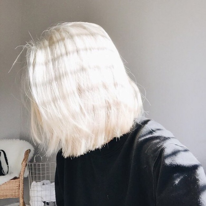 Light Blonde Hair With Lowlights