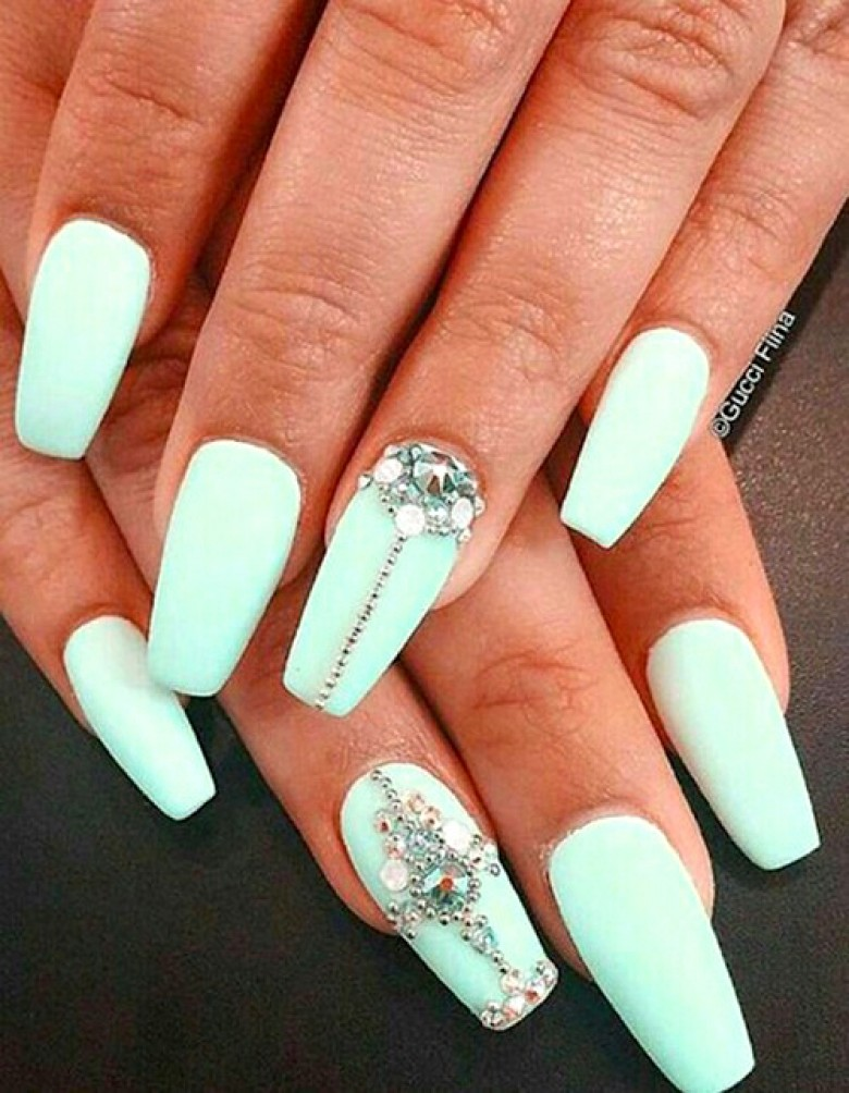 faux ongles ongle vert