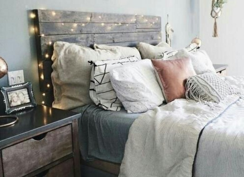 Conseils pour se lever du bon pied et bien commencer sa - Gens qui font l amour tout nu dans le lit ...