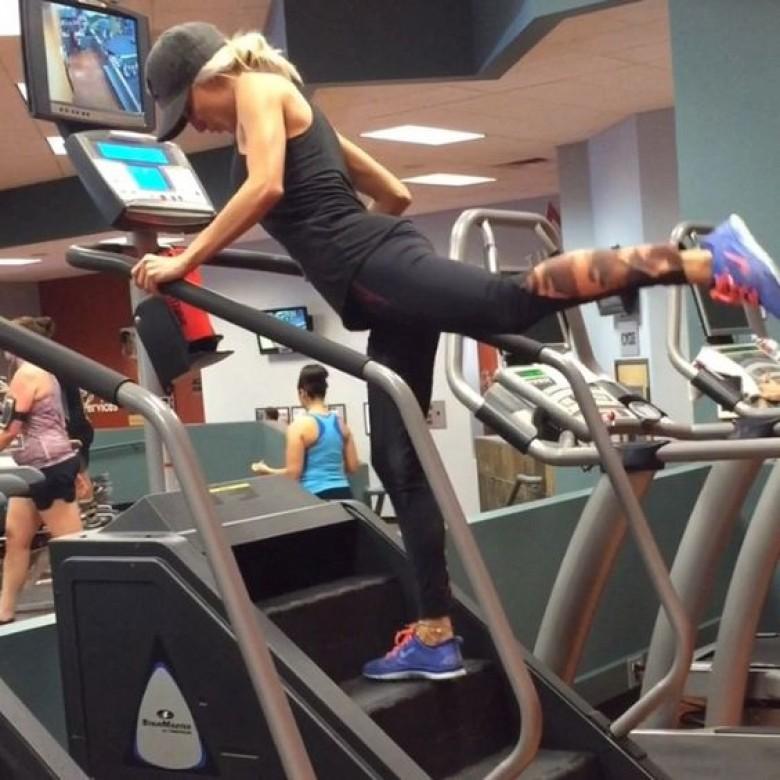 appareil musculation fessier salle de sport