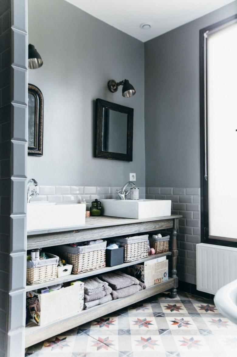 45 accessoires pour tout organiser dans la salle de bain. Black Bedroom Furniture Sets. Home Design Ideas