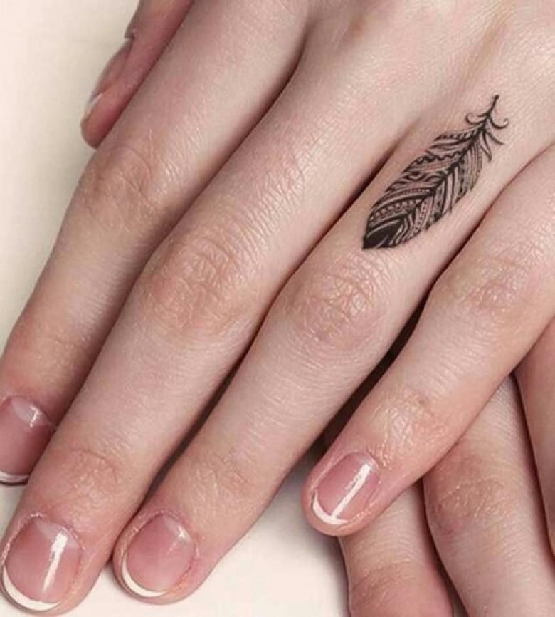 10 Idees Sublimes De Tatouage Plume