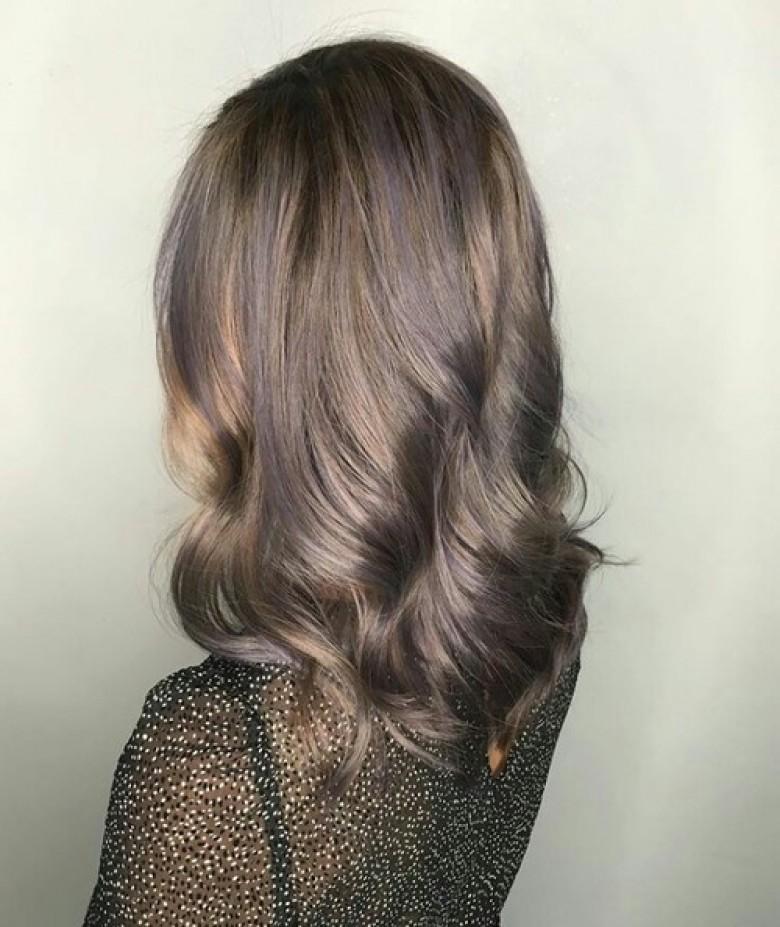 balayage gris sur cheveux chatain fonce coiffure de mariage populaire. Black Bedroom Furniture Sets. Home Design Ideas