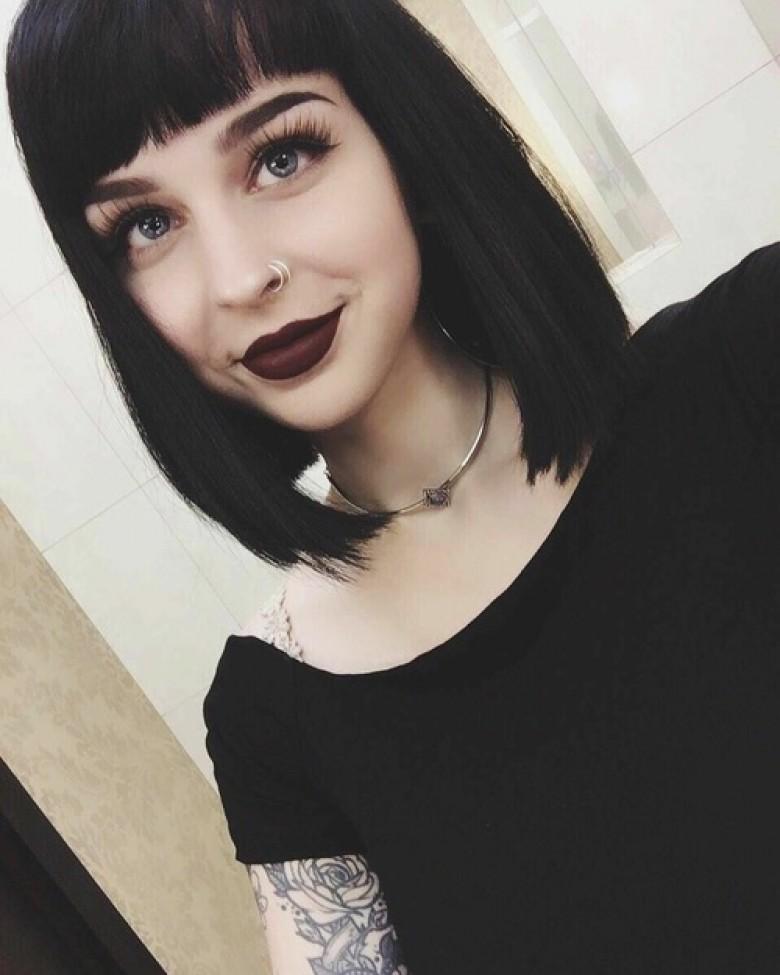cheveux noir clair