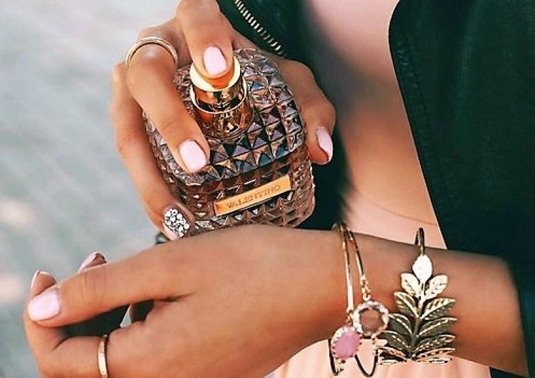 Son Parfum Faire Astuces Pour Durer Incroyables Plus 12 Longtemps rCexBdoW