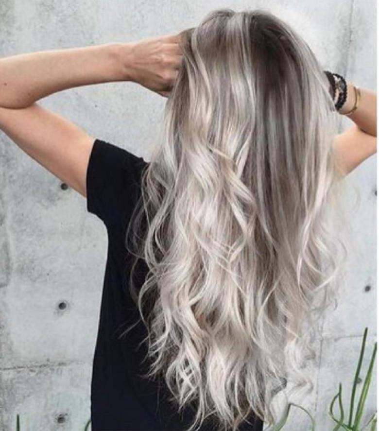 8, Entre gris, blond et châtain
