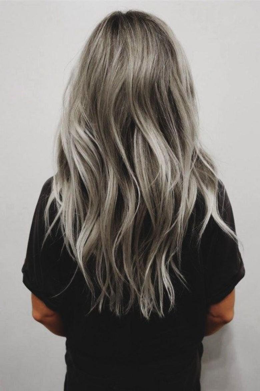 20 sublimes inspirations pour celles qui veulent se teindre les cheveux en gris les claireuses. Black Bedroom Furniture Sets. Home Design Ideas
