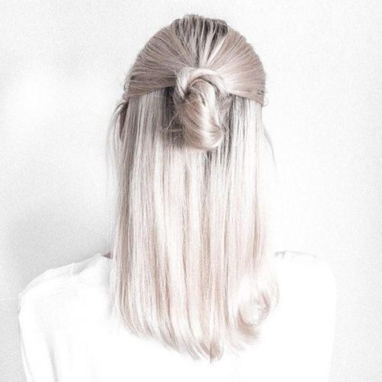 le blond polaire la couleur de cheveux ultra tendance les claireuses. Black Bedroom Furniture Sets. Home Design Ideas