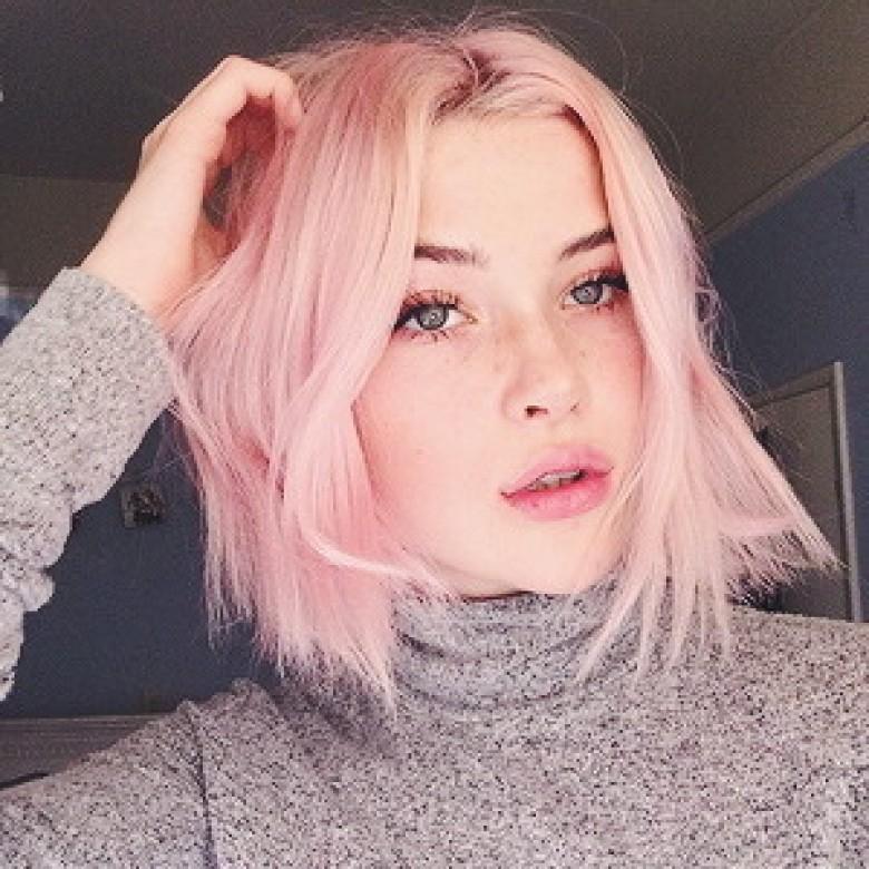 Couleur de cheveux rose pale