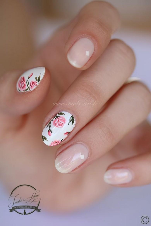 alerte tendance le nail art floral s 39 empare de nos ongles. Black Bedroom Furniture Sets. Home Design Ideas