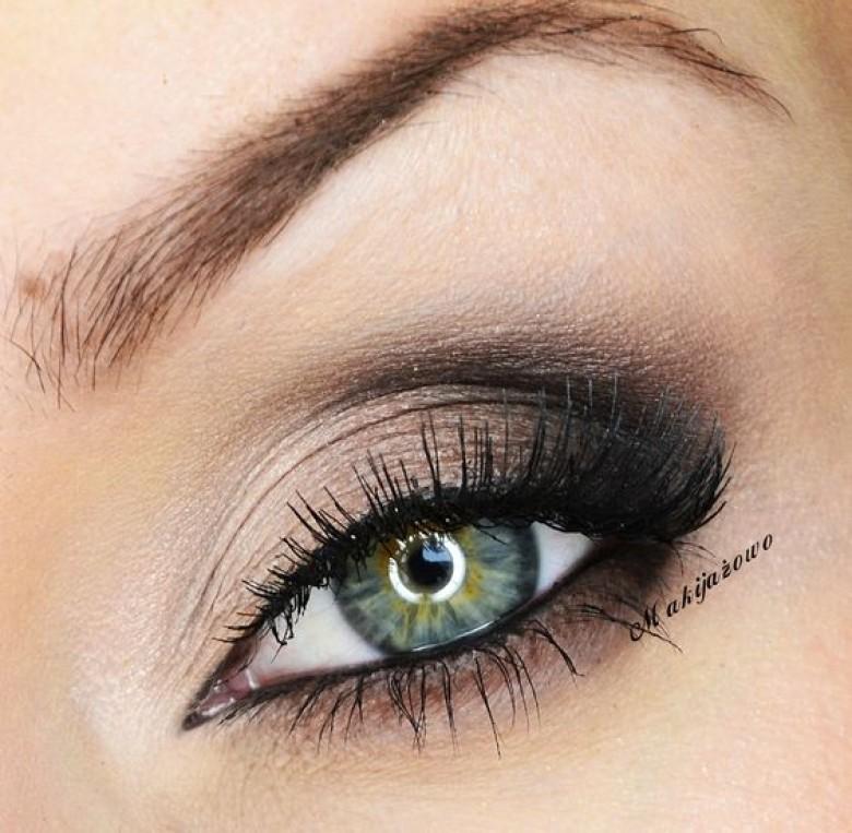 20 id es de make up pour les yeux verts les claireuses. Black Bedroom Furniture Sets. Home Design Ideas