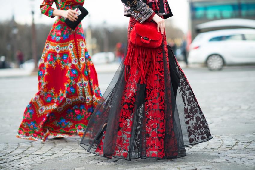 Sexy et glamour avec votre robe rouge