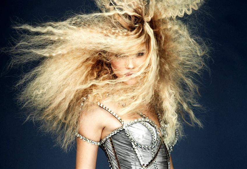 Les cheveux gaufrés : la tendance des 90's qui revient !