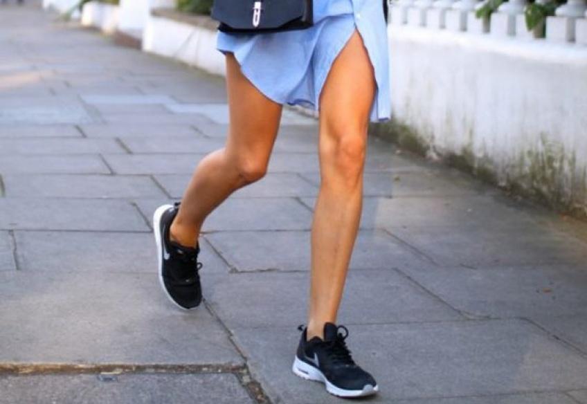 Robe Chemise + Baskets : le look idéal