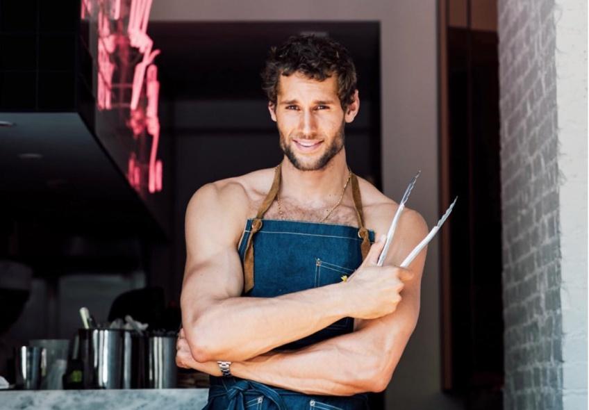 Ce cuisinier sexy va vous donner envie de faire la cuisine