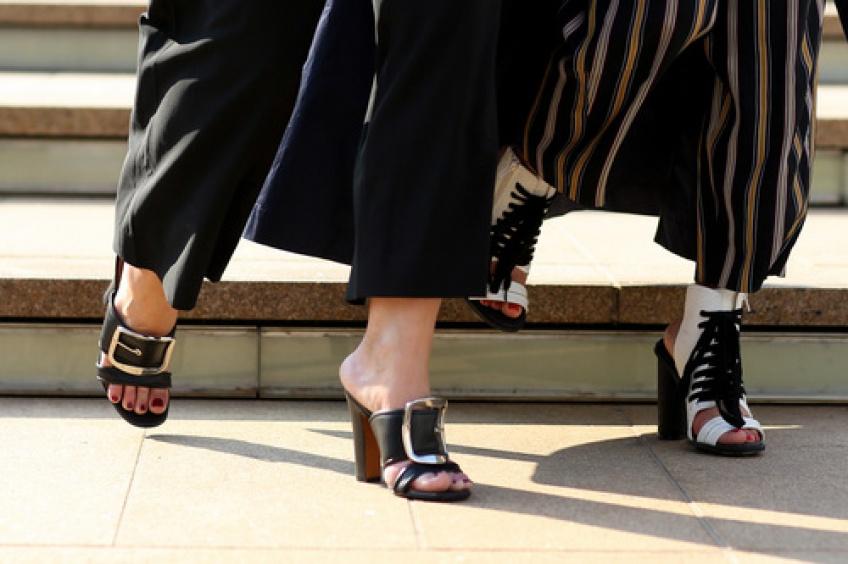 Mardi #Shoesday : Des mules d'été en hiver, la tendance à essayer pour les fêtes de fin d'année