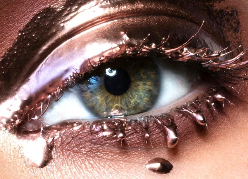 Le mascara semi-permanent pour des yeux de biche plus longtemps !