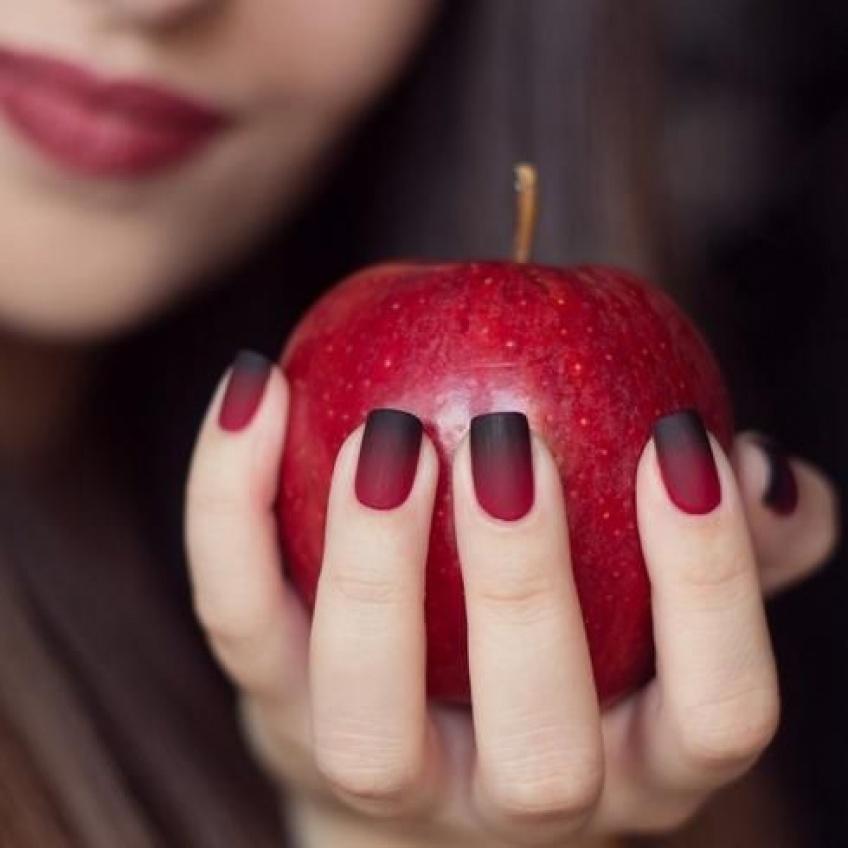 10 erreurs à ne plus commettre pour avoir des ongles fabuleux