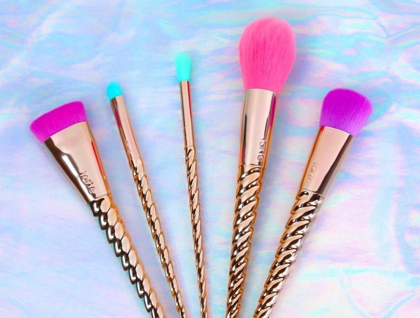 La nouvelle collection 'so unicorn' de Tarte Cosmetics va vous faire rêver !