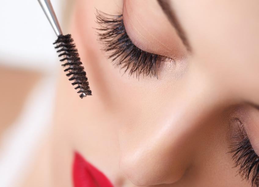 5 astuces pour survivre quand on n'a plus de mascara