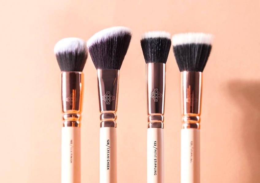 Voilà pourquoi il est si important de bien nettoyer vos pinceaux à maquillage
