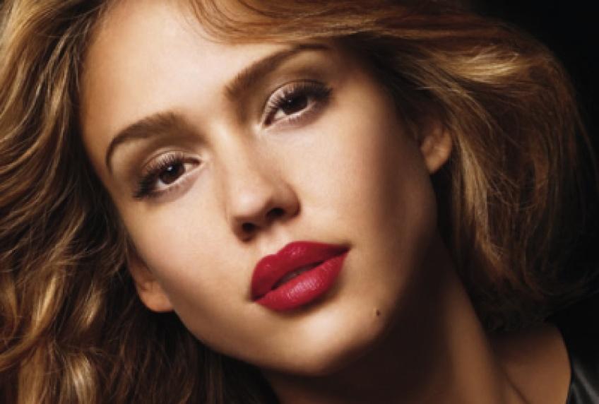10 Astuces faciles pour avoir des lèvres pulpeuses