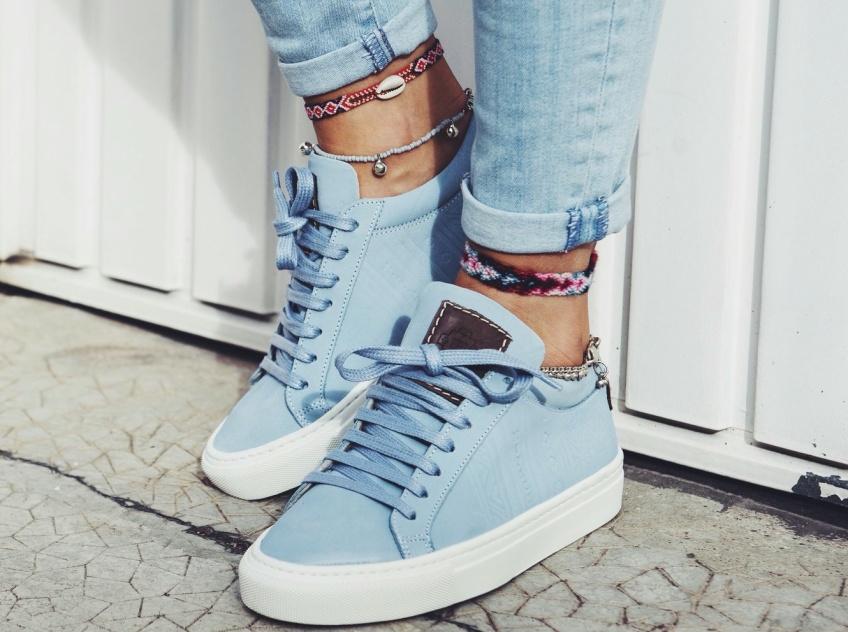 35 paires de sneakers colorées idéales pour l'été !