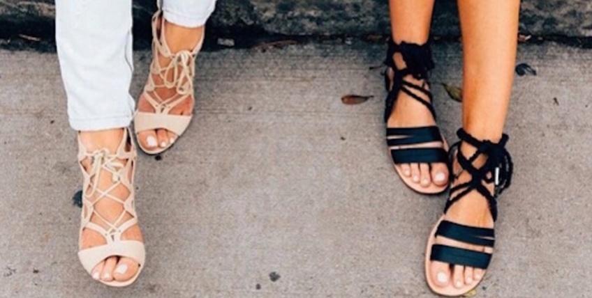 Mardi #Shoesday: 35 paires de sandales plates ultra-stylées qu'on portera tout l'été