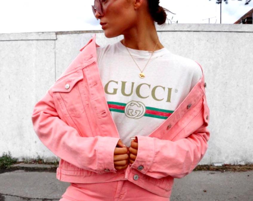 La tendance du moment : Le T-shirt à logo Gucci !