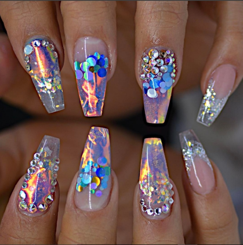 Fire & Ice nails : la nouvelle tendance nail art qui envahit la toile