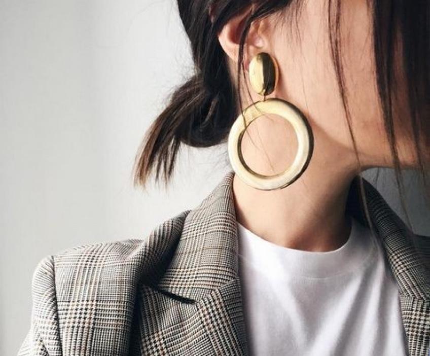 30 superbes grosses boucles d'oreilles qui vont habiller n'importe quelle tenue !