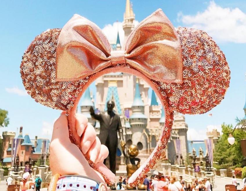Vous allez adorer ce nouveau serre-tête Minnie en or rose !