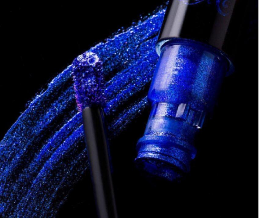 ALERTE : Kat Von D dévoile un tout nouveau lipstick métallisé