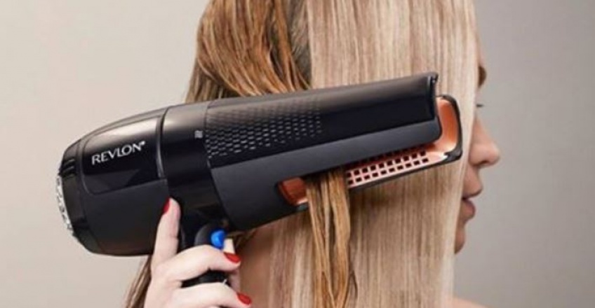 Le nouveau sèche-cheveux Revlon est la réponse à tous nos problèmes capillaires !