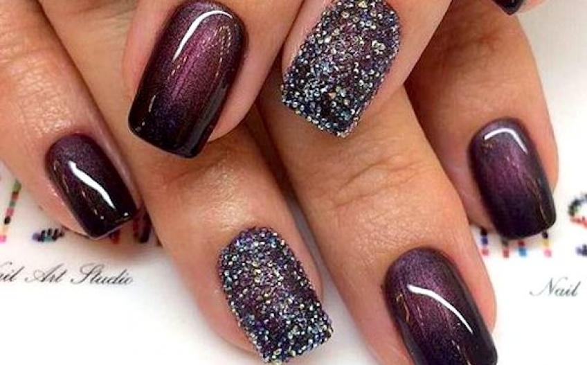 Les meilleurs tutos de nail-art pailletés pour être la reine de la soirée !