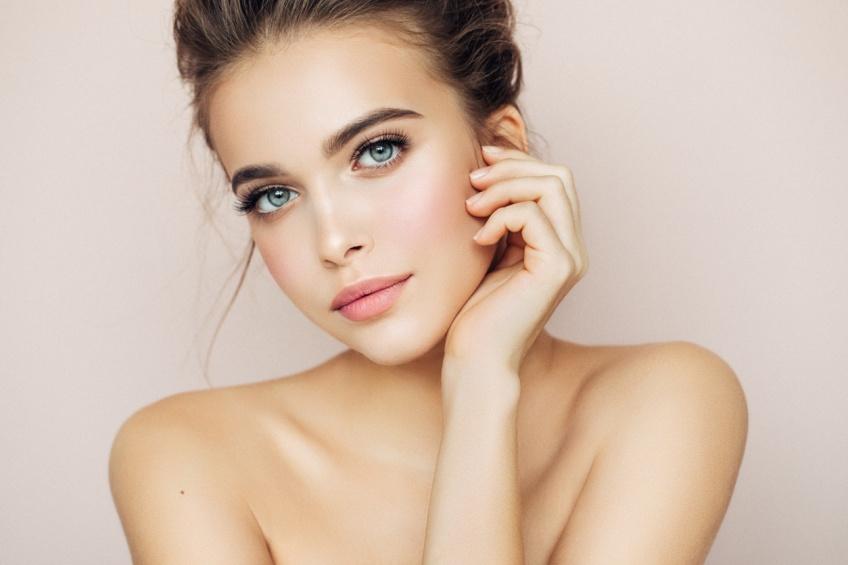 Toutes les étapes make-up pour vous faire un teint juste parfait