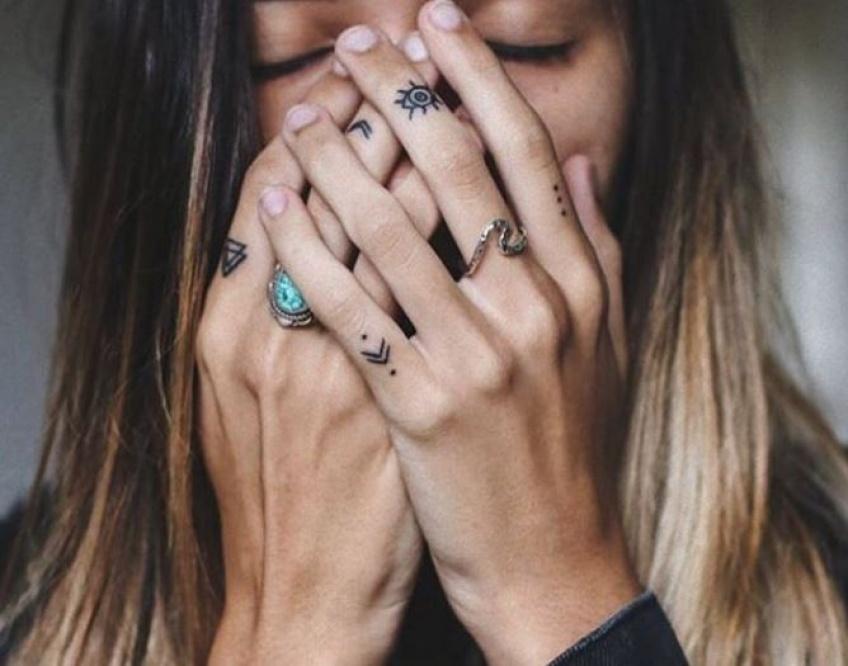 Prochaine étape : les tatouages sur les mains ?