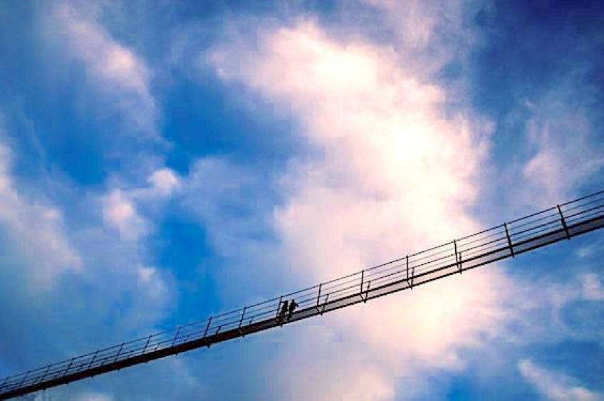 #RandonnéeDeL'extreme : le pont suspendu le plus long du monde est Suisse