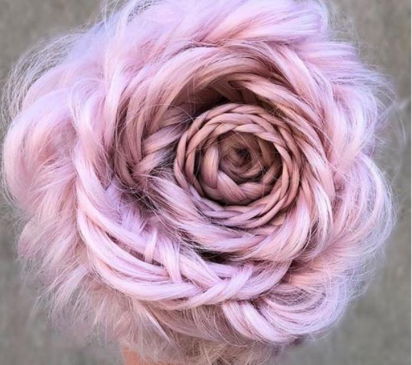 Le chignon en forme de rose affole la toile !