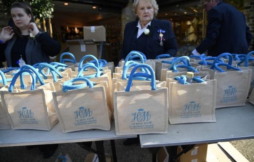 Des invités revendent les sacs souvenirs du mariage royal sur Ebay !