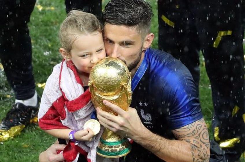 Les photos adorables des Bleus célébrant leur victoire en famille