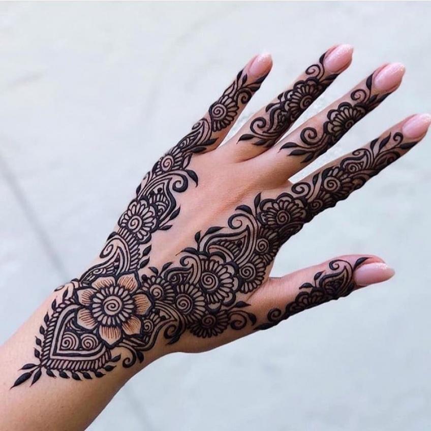 Le tatouage au henné est la tendance à adopter pour les futures mariées !