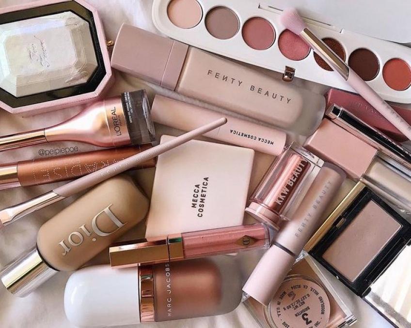 Les meilleurs soldes sur une sélection beauté pour un make-up parfait !