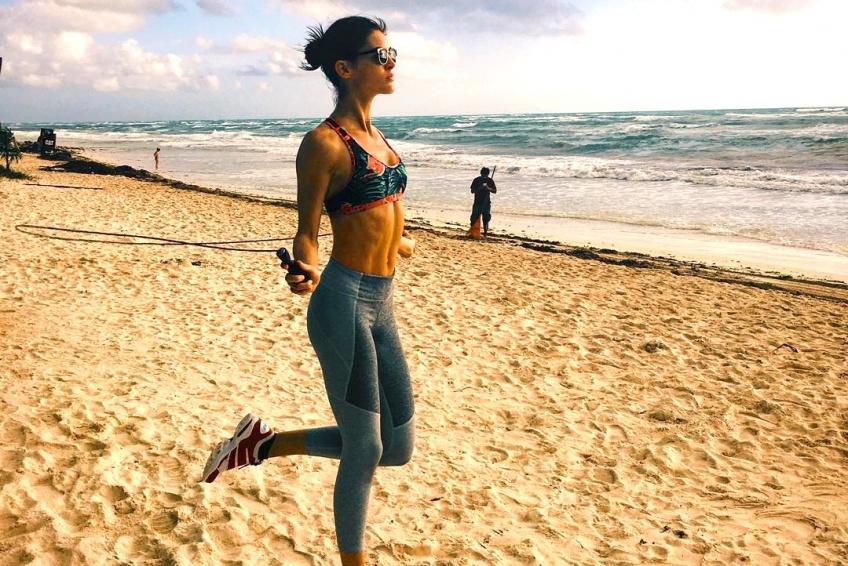 corde à sauter plage