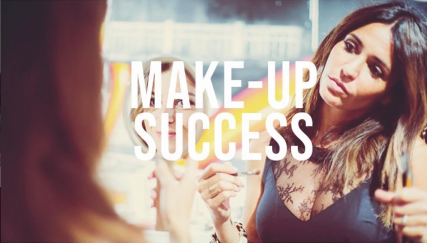 Deborah Azria : La make-up artist qui vous offre un make-up personnalisé