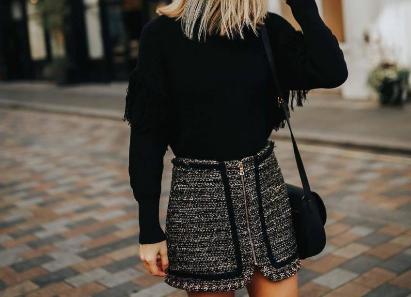 gros pull mini-jupe